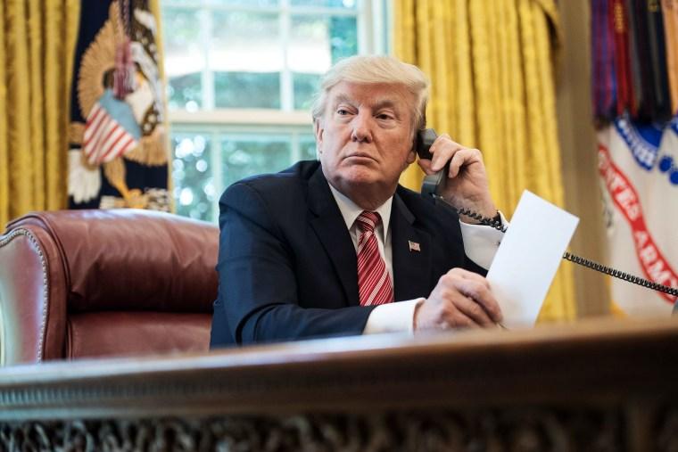 Image: Donald Trump telephone, Oval Office