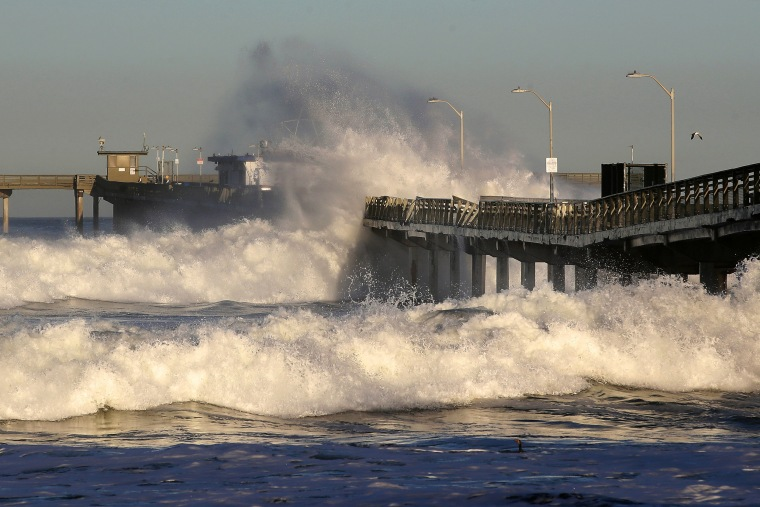 Image: Large Surf Hits Southern California Coast