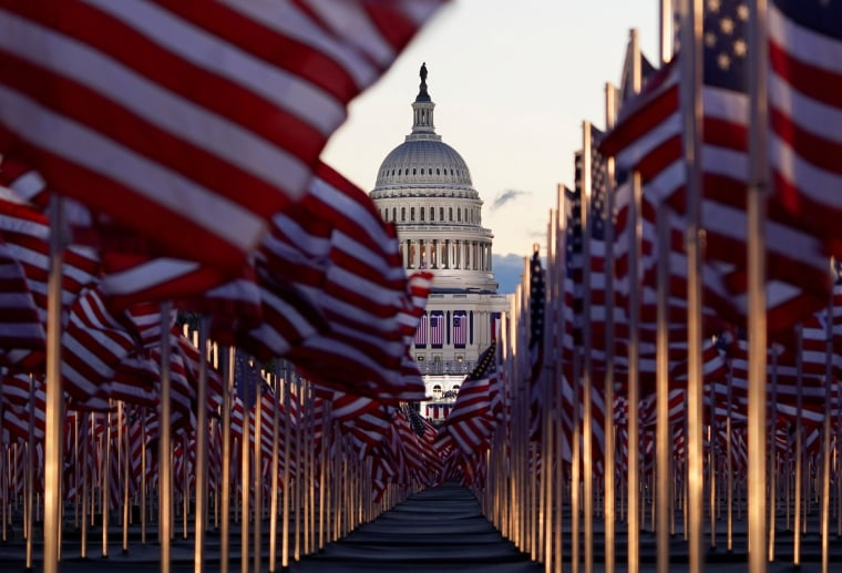 """Image: The """"Field of flags"""" in Washington"""