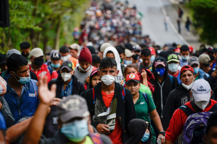 Image: TOPSHOT-GUATEMALA-HONDURAS-US-MIGRATION-CARAVAN