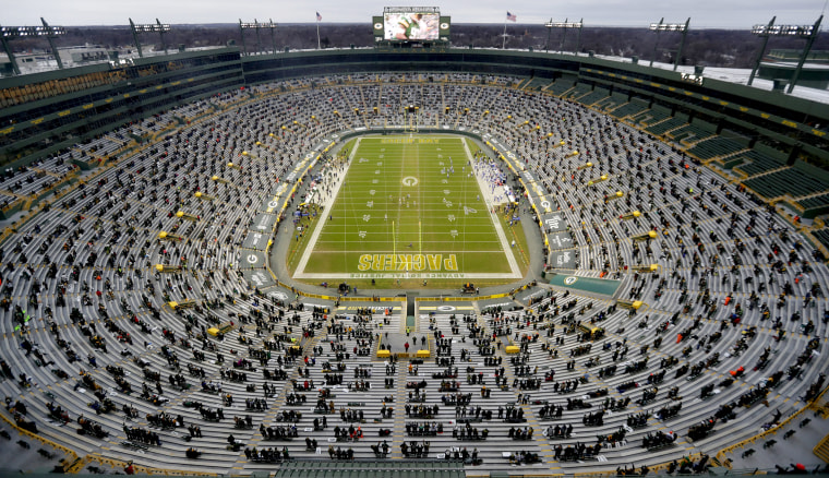 Image: NFL: NFC Divisional Round-Los Angeles Rams at Green Bay Packers