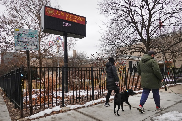 Image: Chicago Teachers Union Votes To Defy In-Person Classroom Return