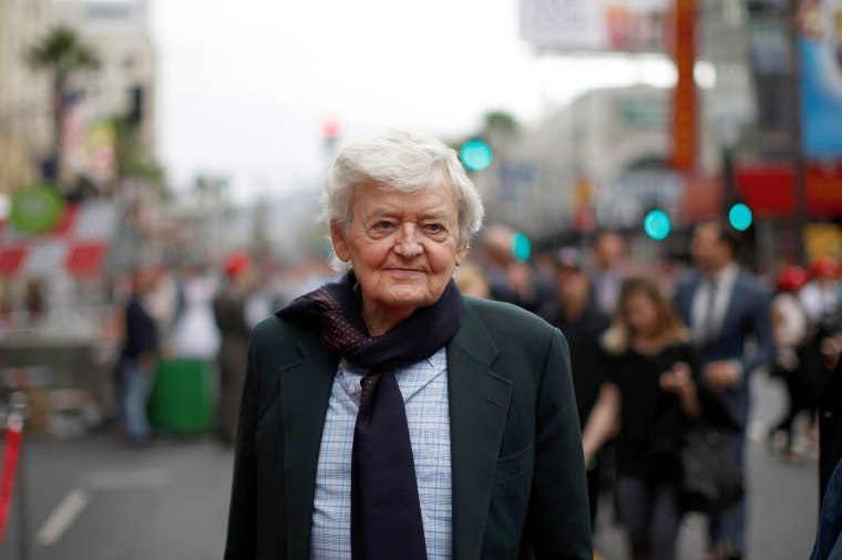 Hal Holbrook, actor acclaimed for his portrayal of Mark Twain, dies at 95