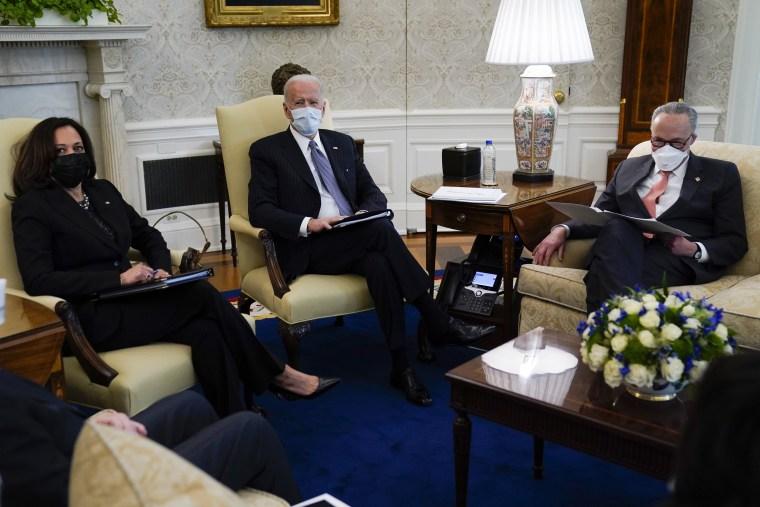 Image: Joe Biden, Chuck Schumer, Kamala Harris