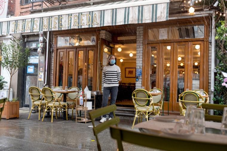Image: Waitress at New York City Restaurant