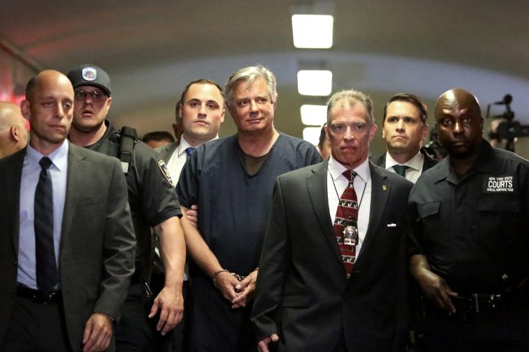 Image: Paul Manafort arrives to his arraignment in Manhattan Criminal Court