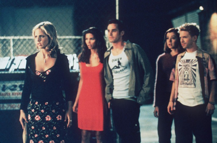 "1998 The cast of ""Buffy The Vampire Slayer."" From l-r: Sarah Michelle Gellar, Charisma Carpenter, Ni"