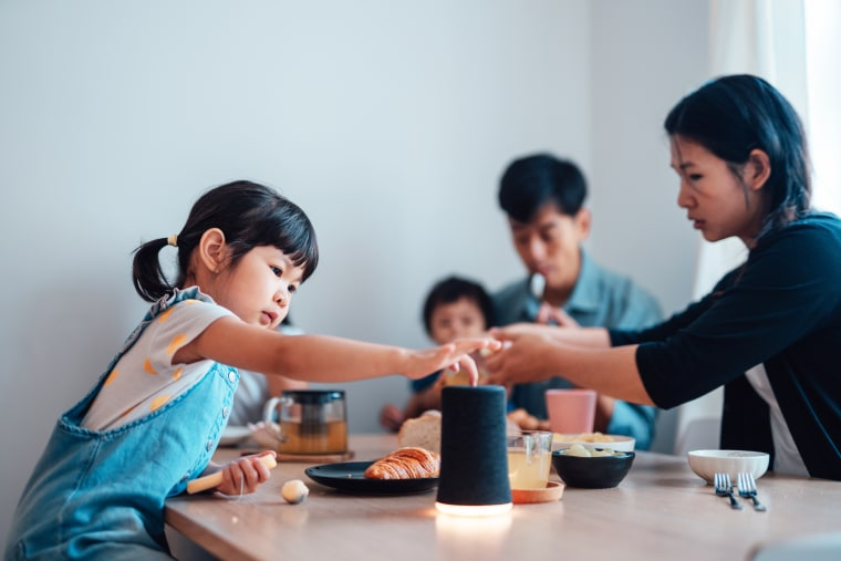 Curious Young Girl Using Smart Speaker While Having Breakfast With Her Family. These are the best smart speakers of 2021 according to experts. Shop bestselling smart speaker models from Bose, JBL, Sonos and more.