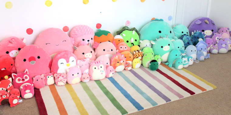 WHAT ARE SQUISHMALLOWS?