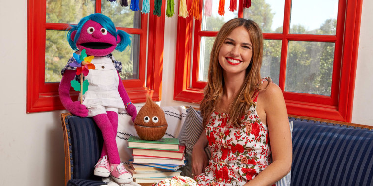 "Host Romina Puga on ""Club Mundo Kids."""