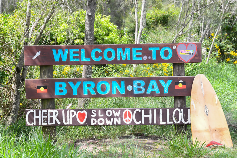Image: A welcome to Byron Bay sign on the main road leading into the town center on March 29, 2021 in Byron Bay, Australia.