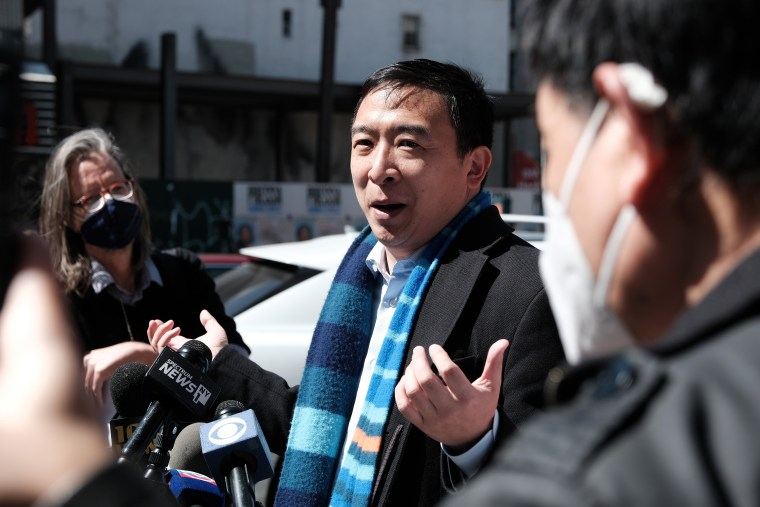 Image: New York Mayoral Candidate Andrew Yang Rides Subway In Solidarity Against Anti-Asian Hate Crimes