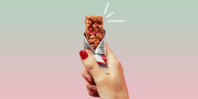 A 100-200 calorie sports bar is a smart snack if you need an energy boost before a workout.
