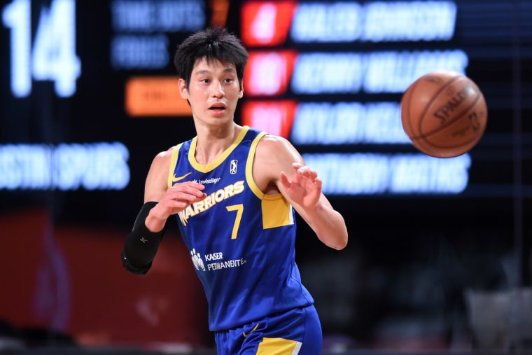 Image: Jeremy Lin of the Santa Cruz Warriors receives a pass against the Austin Spurs on Feb. 28, 2021 in Orlando, Fla.