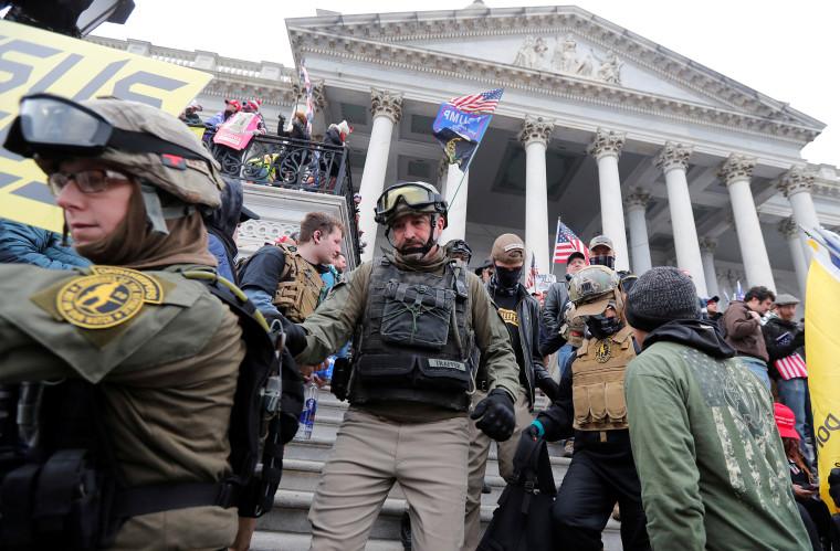 Image: Prosecutors say Oath Keepers militia members conspired in U.S. Capitol siege