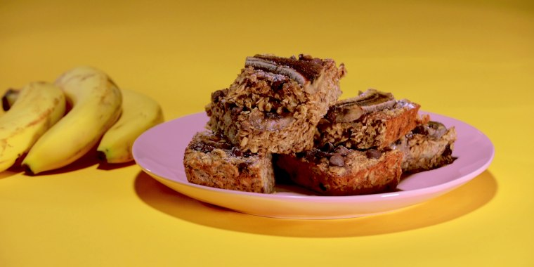 These chocolatey banana oat bars will be your new go-to snack.