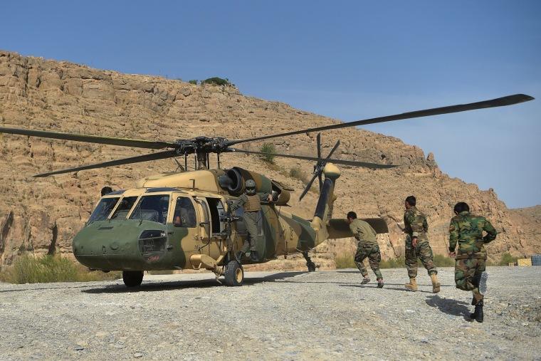 Image: Afghan air force Black Hawk helicopter