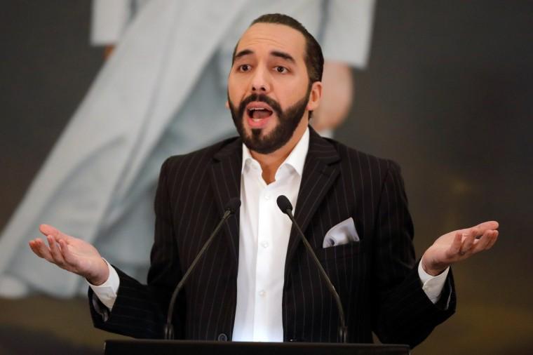 Image: El Salvador President Nayib Bukele speaks during a news conference in San Salvador