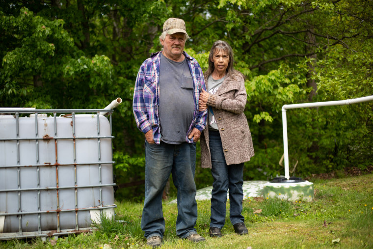 All the water's bad': In McDowell County, you have to get creative to find safe drinking water 210610-west-virginia-water-burl-delphine-stacy-jm-1525