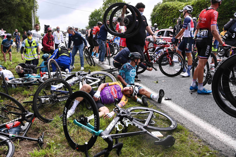 Image: CYCLING-FRA-TDF2021-STAGE1