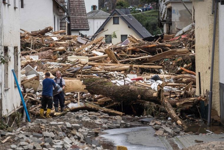 Image: TOPSHOT-GERMANY-WEATHER-FLOODS-STORM