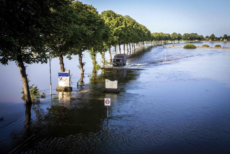 Image: TOPSHOT-NETHERLANDS-WEATHER-FLOOD