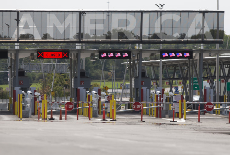 Entry lanes remain closed at the Canada-U.S. border in Saint-Bernard-de-Lacolle, Quebec, on Sept. 16, 2020.