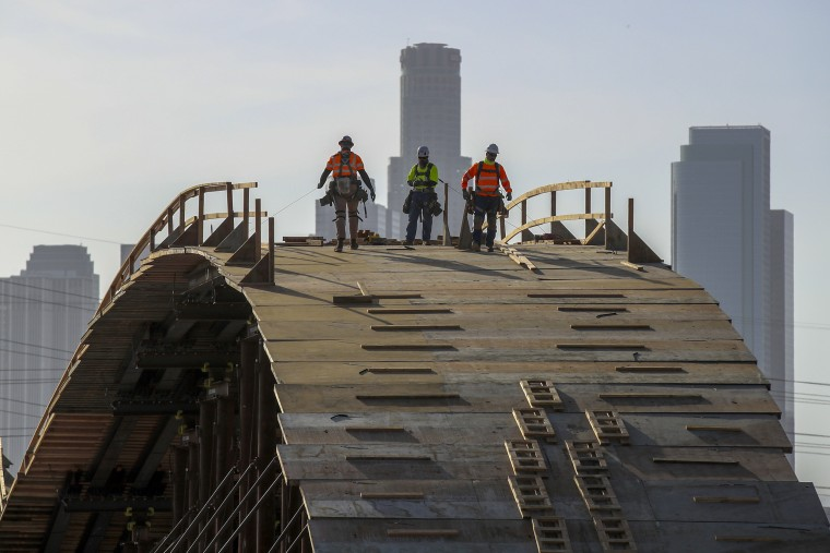 Construction of the new Sixth Street Viaduct Replacement Project