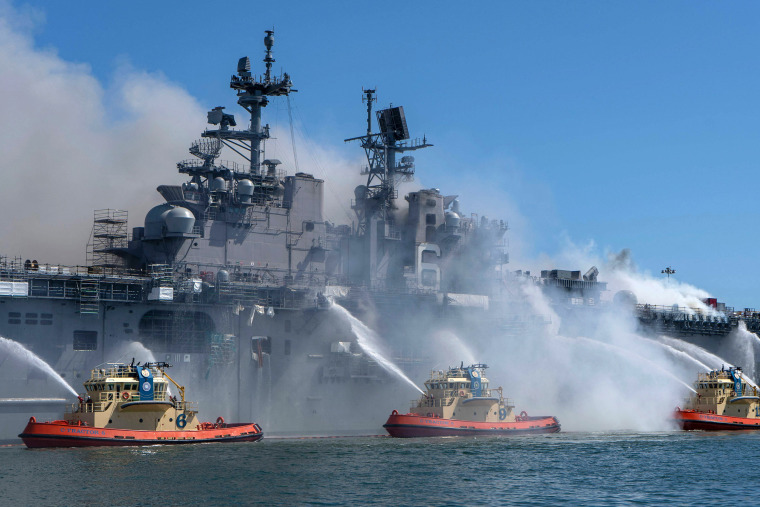 Image: USS Bonhomme Richard fire