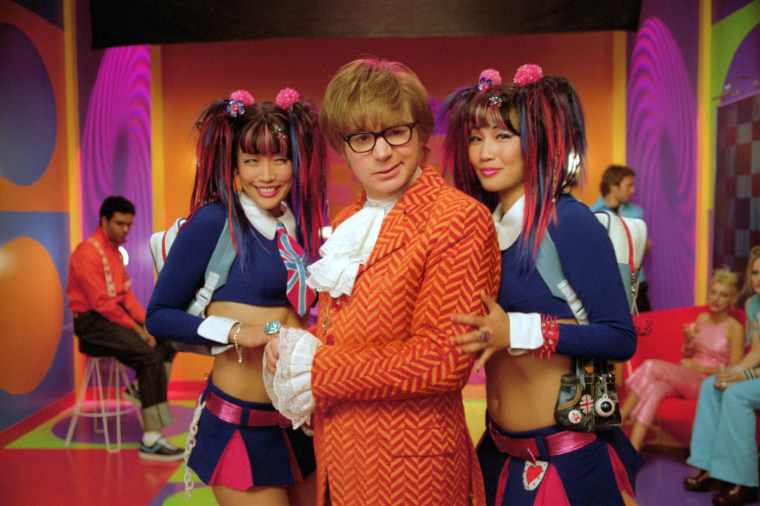 """Image: Diane Mizota, Mike Myers and Carrie Ann Inaba, in \""""Austin Powers in Goldmember.\"""""""