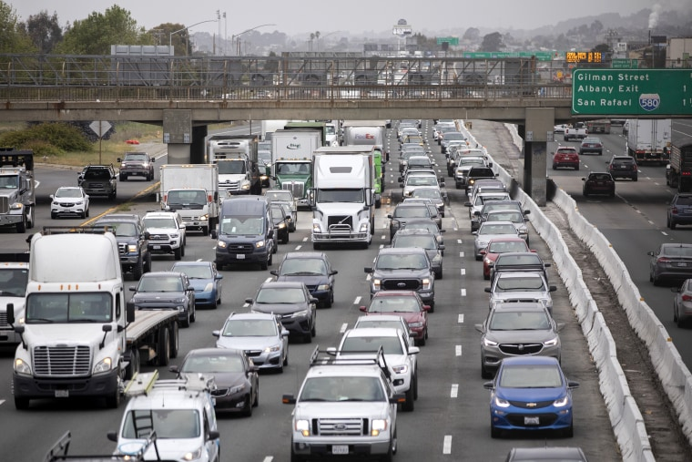 Image: Highway traffic