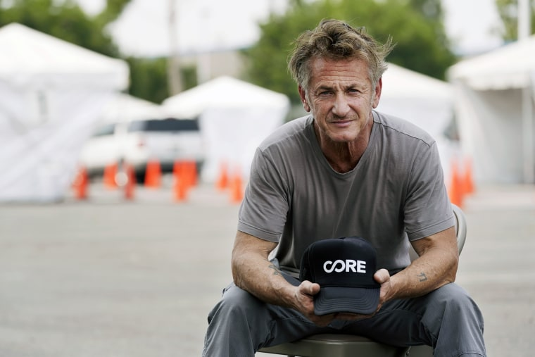 Image: Sean Penn, founder of Community Organized Relief Effort at a CORE coronavirus testing site at Crenshaw Christian Center in Los Angeles on Aug. 21, 2020.