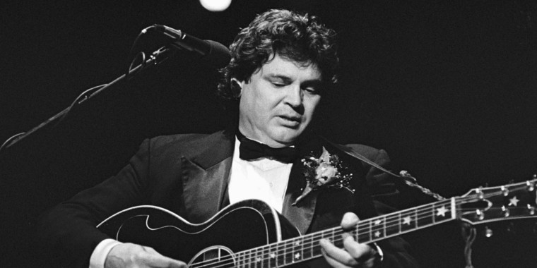 Phil Everly, left, and Don Everly, right, from The Everly Brothers perform in Rotterdam, the Netherlands, on Oct. 29, 1988.