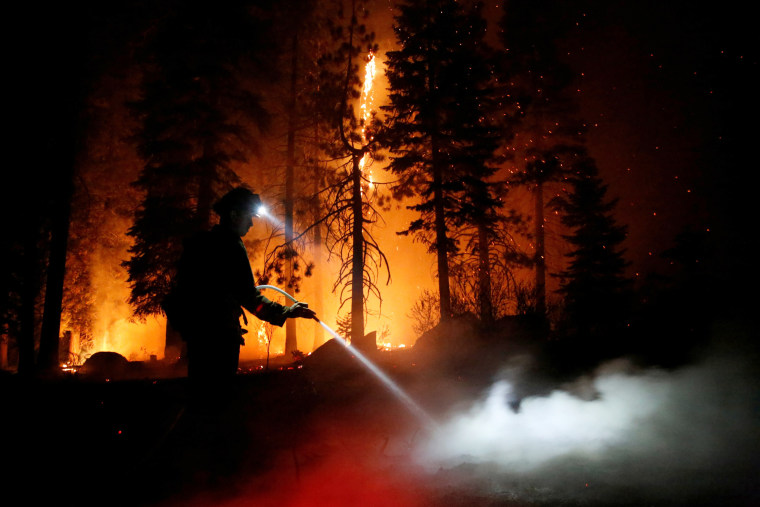 Image: The Caldor Fire threatens Tahoe