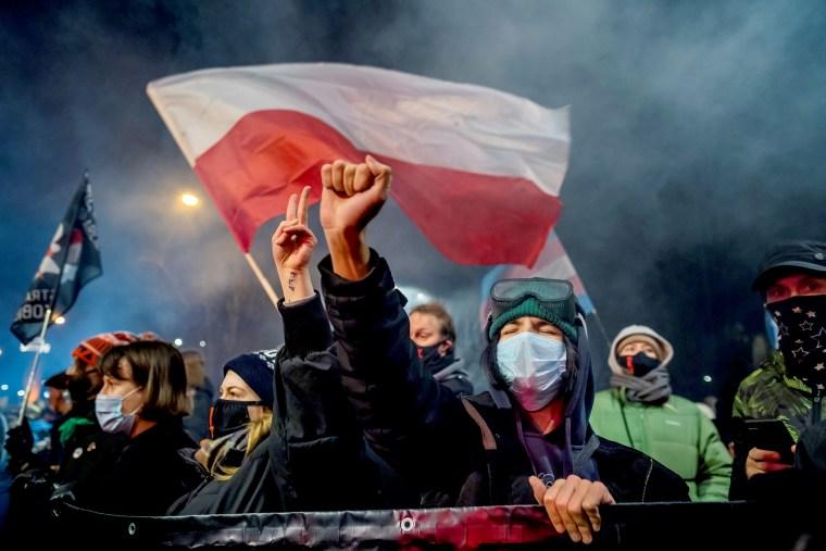 TOPSHOT-POLAND-ABORTION-DEMONSTRATION