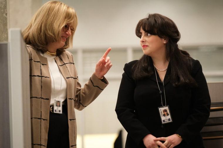 "Image: Sarah Paulson as Linda Tripp and Beanie Feldstein as Monica Lewinsky in \""Impeachment: American Crime Story.\"""