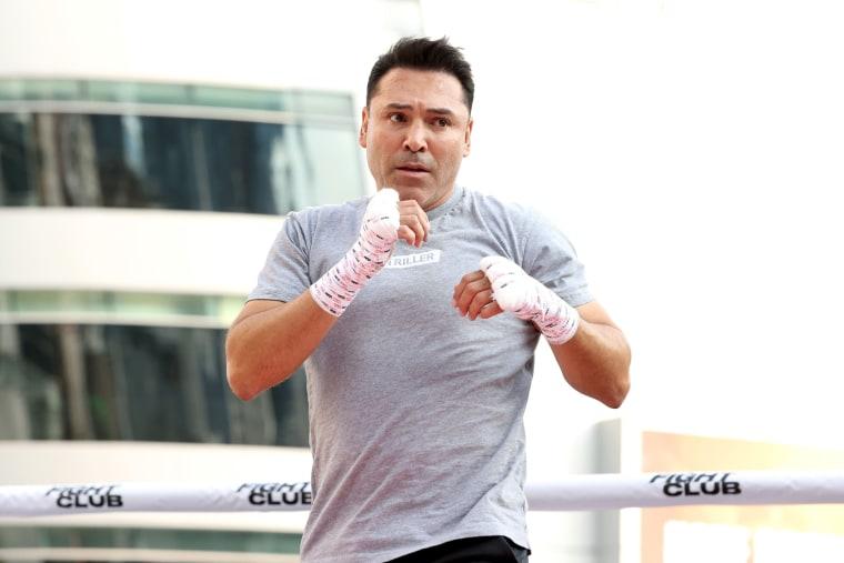 "Image: Boxing Legend \""The Golden Boy\"" Oscar De La Hoya, Hosts Open To The Public Media Workout"
