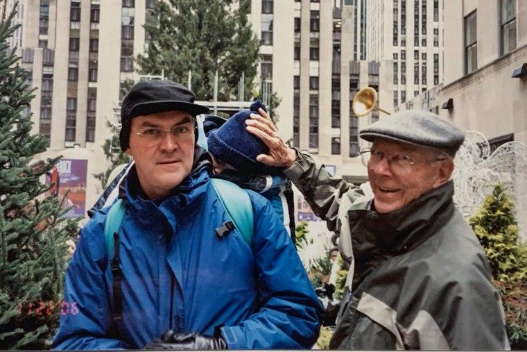Mike Pasternak, a la izquierda, un sobreviviente del 9/11 que estaba trabajando para Goldman Sachs el día de los ataques, estaba tan frustrado con LHI que dejó su cuidado por completo en 2019.