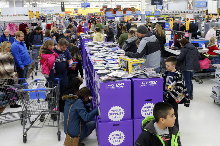 Shoppers look for deals at Walmart in Idaho Falls, Idaho, on Black Friday, Nov. 23, 2018.