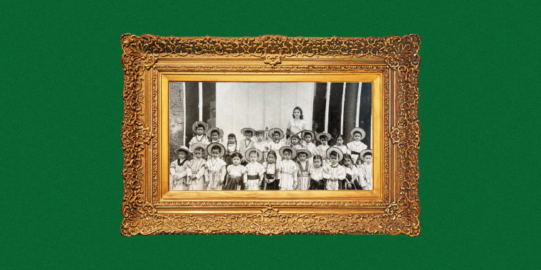 Maria de Lourdes Sotomayor Mehdi worked as a teacher for kindergarten and middle schools students in Mexico City.
