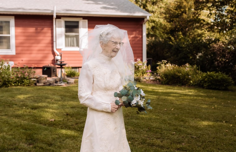 The staff at St. Croix Hospice was able to find a vintage 1940s wedding dress for Frankie to wear at the ceremony.