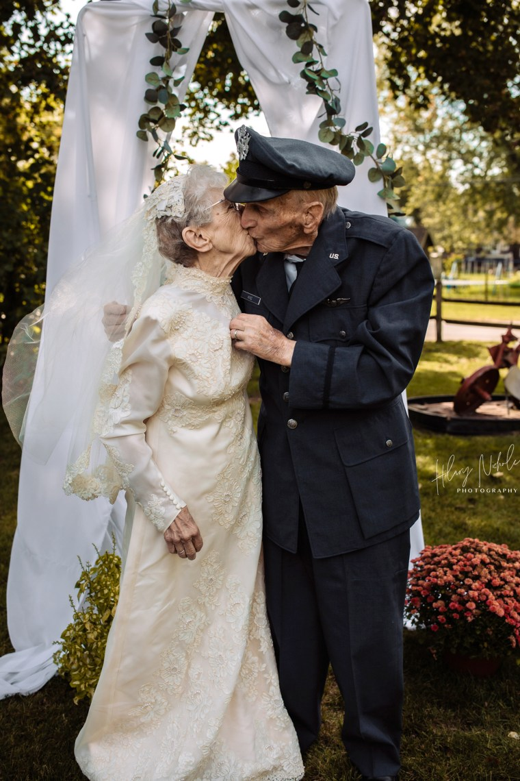 Frankie King, 97, and her husband, Royce, 98, celebrated their 77th anniversary with an impromptu wedding photo shoot in September.