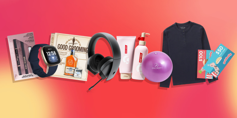 Illustration of beauty products, pilates ball, Everlane shirt, Fitbit watch, gift card, book and headphones all great gifts for a 20 year old for the Holiday's