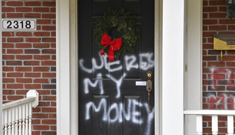 Pelosi's, McConnell's homes vandalized after Congress ...