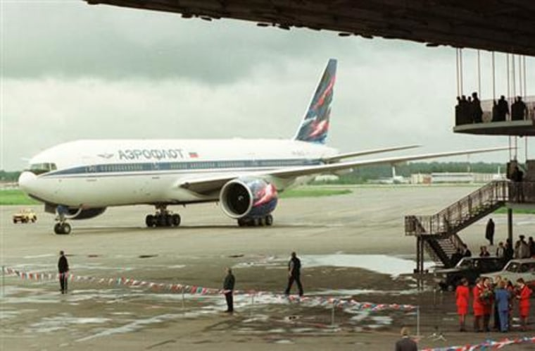 A Boeing 777 arrives from Seattle to the Sheremetyevo airport outside Moscow in this 1998 file photo. Flagship Russian carrier Aeroflot wants to buy 22 Boeing planes, including the new 787, business dailies Kommersant and Vedomosti reported on Tuesday.