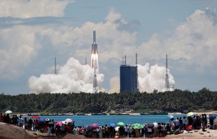 Image:  Long March 5 Y-4 rocket