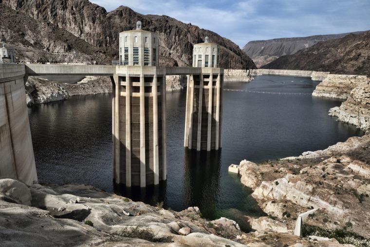 Image: Colorado river Hoover Dam