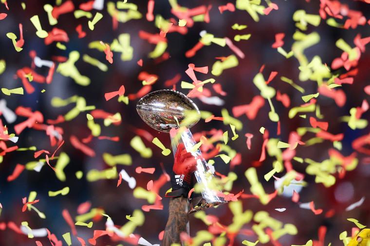 Image: ***BESTPIX*** Super Bowl LIV - San Francisco 49ers v Kansas City Chiefs