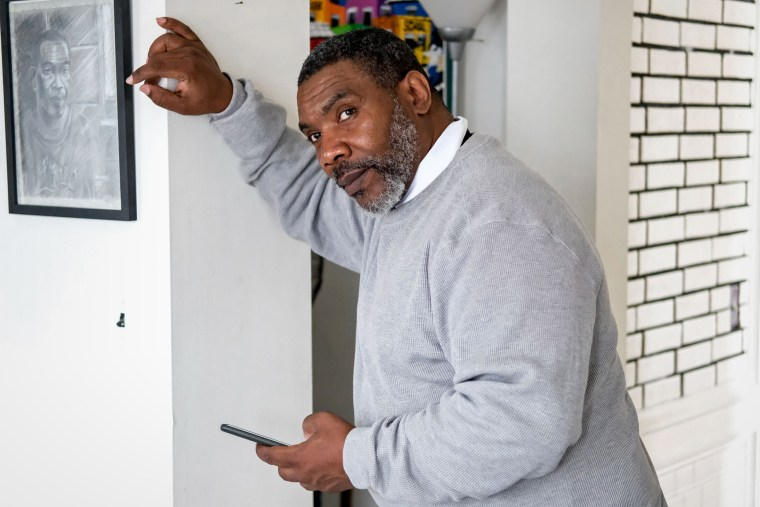 After spending decades in prison, Renaldo Hudson had to learn how to use a smartphone.