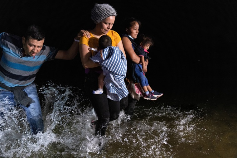 Image: Migrants Cross Into Texas From Mexico